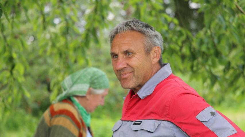 Walter Gemmel betreibt sein Geschäft mit den süßen Früchten im Nebenerwerb. Die ältesten Kirschbäume auf seinem Anwesen wurden kurz nach dem Zweiten Weltkrieg gepflanzt.