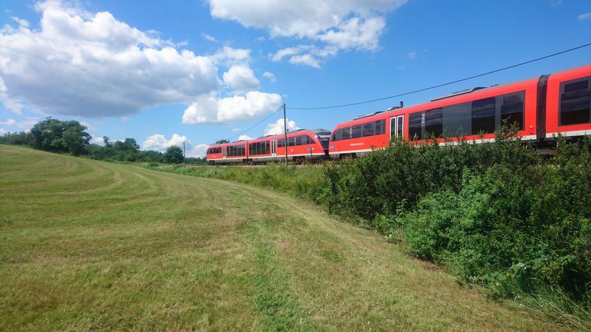 Mit der Gräfenbergbahn reisten unsere Rechercheteams nach Großgeschaidt. Von dort aus ging es für die Genussreporter zu Fuß weiter.