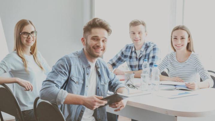 Gemeinsames Lernen oder Treffen, um gemeinsam Firmenprojekte auszuarbeiten, waren in der Corona-Zeit bei den Azubis nicht möglich.