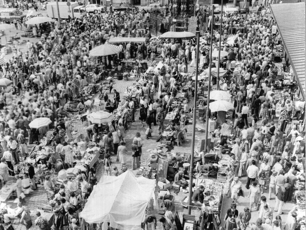 FOTO: NN / Bernd Jürgen Fischer, historisch; 1983er; veröff. NN 17.03.1983..MOTIV: Nürnberger Trempelmarkt.....KONTEXT: