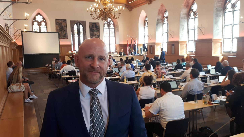 Olaf Kuch bei der Stadtratssitzung im Historischen Rathaussaal kurz vor seiner Wahl im nichtöffentlichen Teil der Beratungen.