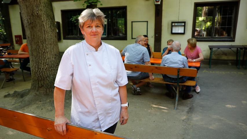 Am Wochenende bietet die Wirtin Carola Bernklau am Neder-Keller Mittagessen an.