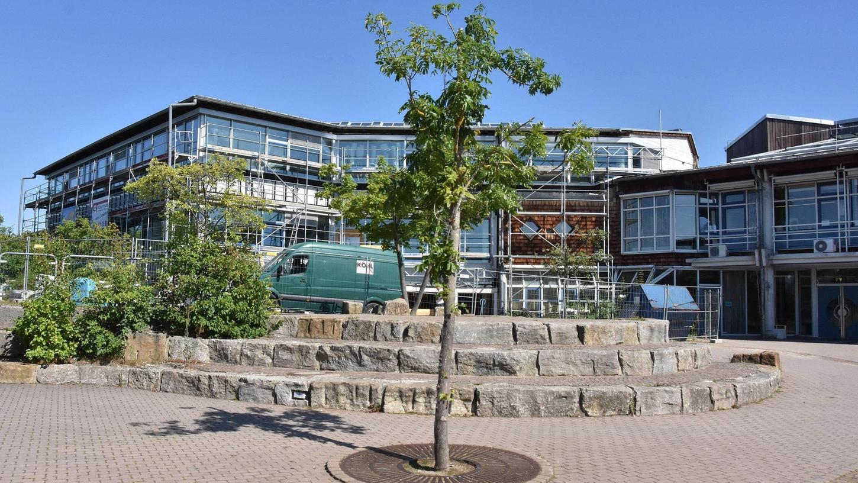 Auch das Gymnasium Stein, das aktuell saniert wird, hat in den kommenden Jahren angesichts steigender Schülerzahlen Erweiterungsbedarf. Es ist auch beim Nürnberger Nachwuchs beliebt.