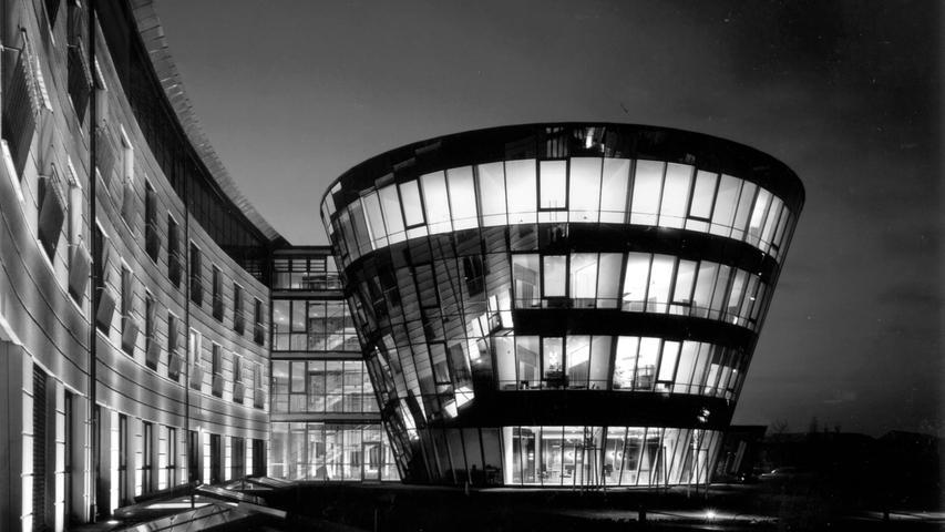 Erst Euromed, dann Schön-Klinik: So entstand das Krankenhaus mit Hotel-Pyramide