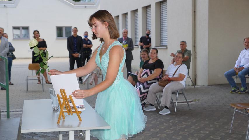 FOTO: Tina Ellinger; 23.7.2020; AB MOTIV: Abschlussfeier Wirtschaftsschule Gunzenhausen, Zeugnisübergabe, Corona