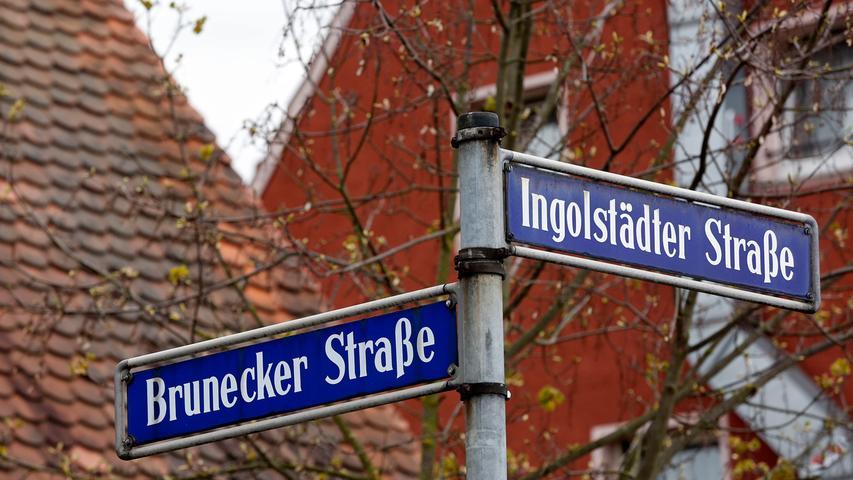 Nach der Kabinettssitzung in München haben die Minister ebenfalls bekanntgegeben, schon im kommenden Jahr mit der Forschung und Lehre an der neuen, geplanten Technischen Universität Nürnberg starten zu wollen.