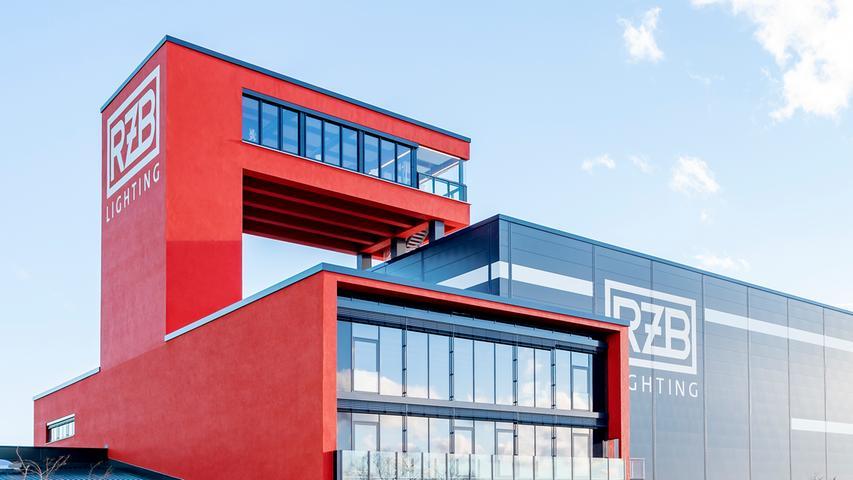 RZB hat den Sprung vom konventionellen Leuchtenhersteller zum Generalisten für innovative lichttechnische Lösungen geschafft. Die RZB-Gruppe unterhält unabhängige Unternehmen in Mittelost, Malaysia und China sowie diverse Vertriebsbüros weltweit. Die Beschäftigungszahl liegt bei 650 Arbeitnehmerin am Bamberger Standort.