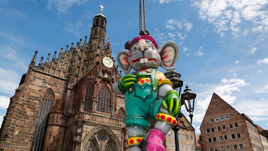 Erster Blick: So läuft der Aufbau des Nürnberger City-Volksfests