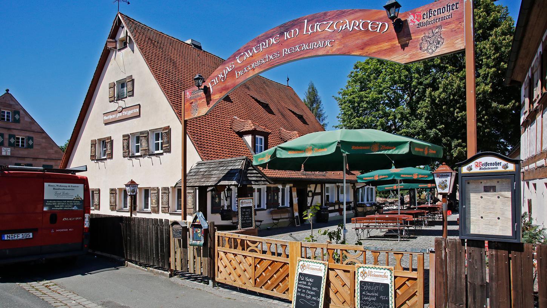 Finyas Taverne im Lutzgarten