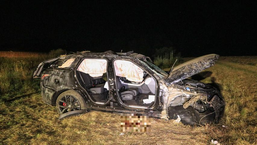 Range Rover überschlägt sich im Kreis Bamberg: 61-Jähriger stirbt