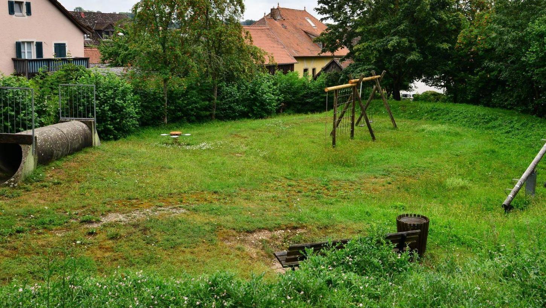 Hier könnte in Nennslingen bald eine Essbare Landschaft entstehen. Der Gemeinderat interessiert sich für das Projekt und macht sich Mitte September auf nach Österreich, um sich die Umsetzung vor Ort anzusehen.