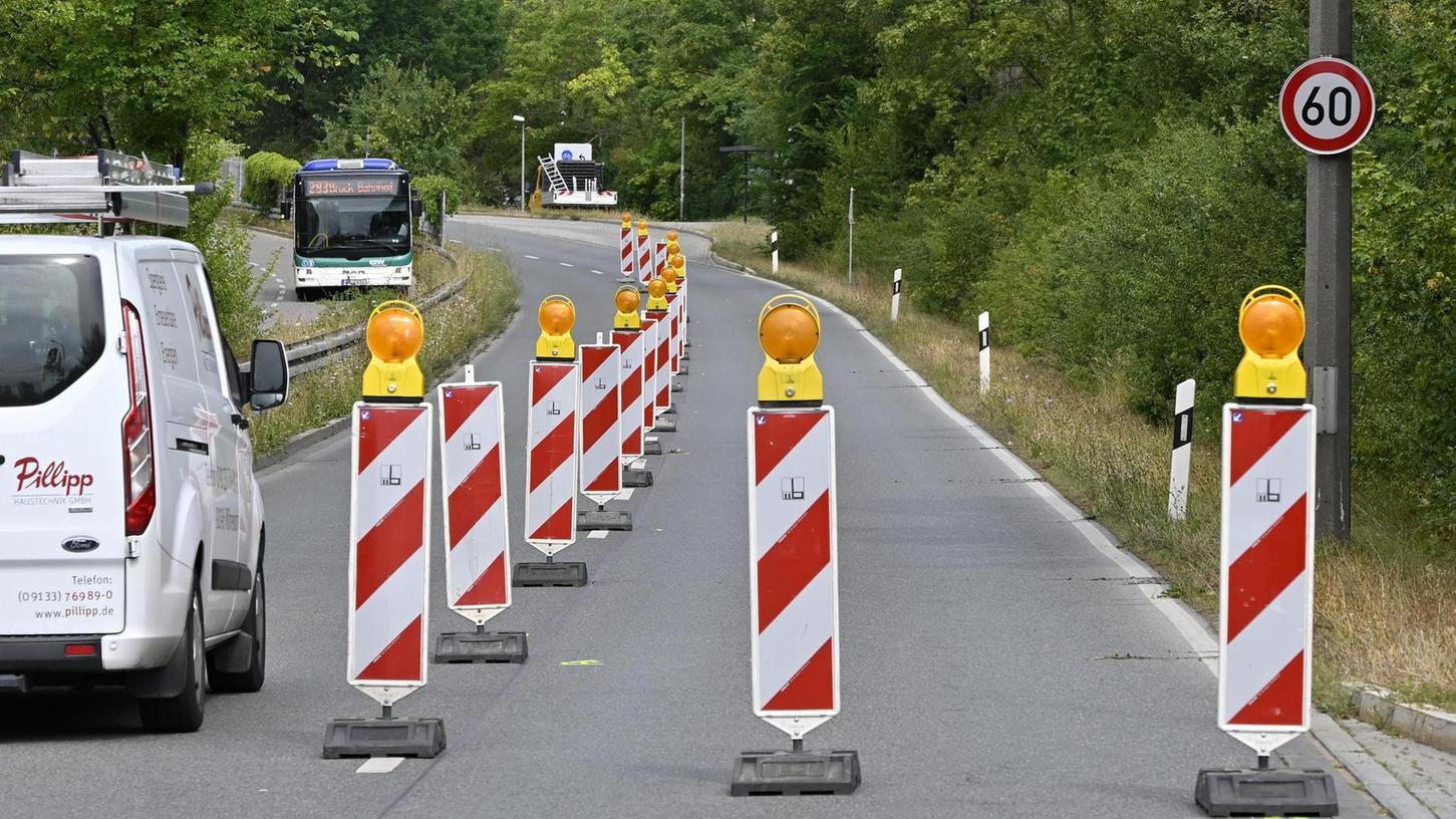 Die Markierungen fehlen noch: Die neue Radspur am Kosbacher Damm.