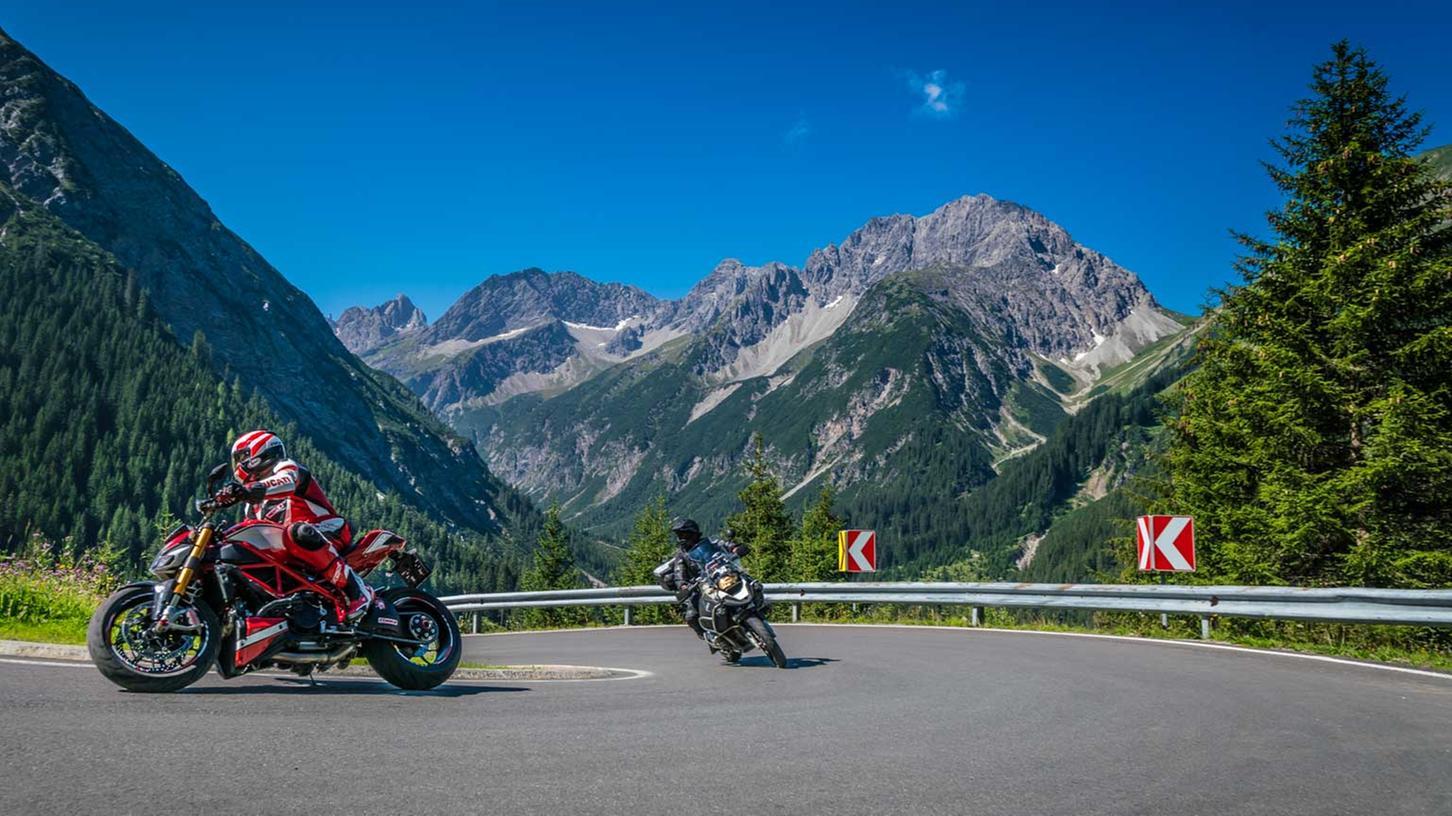 Kurvenräuber kommen ab dem Lechtal in allen Richtungen auf Ihre Kosten - ob mit Motorrad oder Auto.