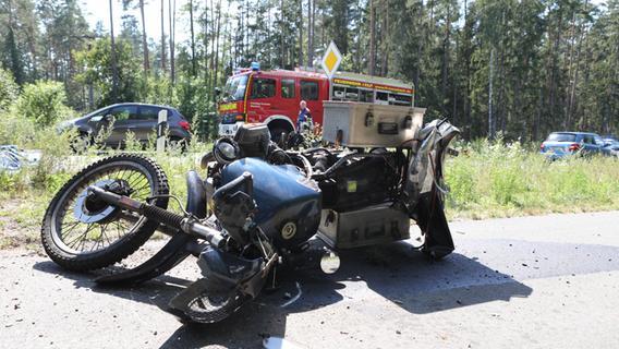 Tödlicher Unfall: Motorradfahrer gerät bei Feucht in Gegenverkehr