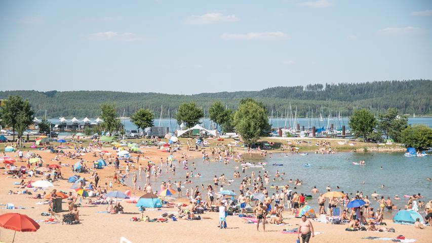 Wieder volle Ufer im Seenland: Polizei kontrolliert Nahausflügler