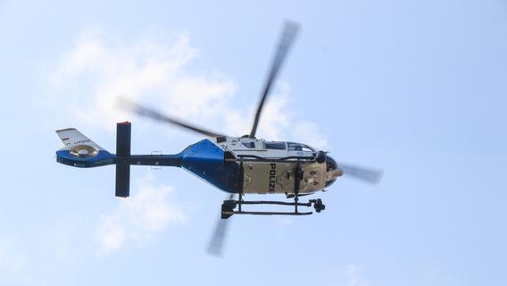 Großfahndung: Polizei suchte mit Hubschrauber und Spürhunden in Nürnberg