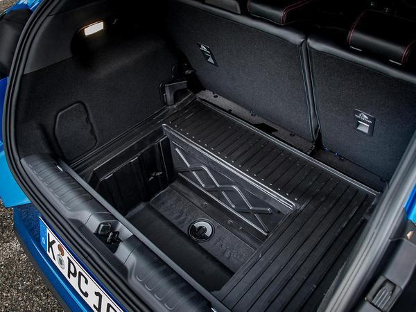 MegaBox: Allein für das auswaschbare und mit einem Ablauf ausgestattete 80-Liter-Staufach muss man den Puma lieben.