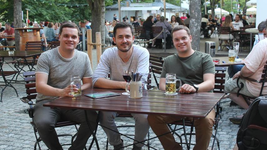 Sie haben die Gästeregistrierungs-App entwickelt (von links): Christoph Löslein, Dmitry Gorelenkov und Steffen Löslein.