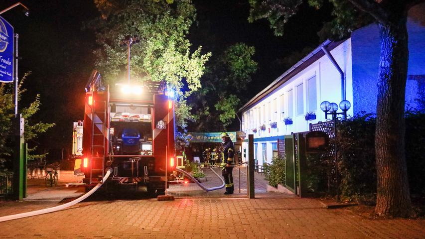 Brand beim Erlanger Turnerbund: Brennendes Fett ruft Feuerwehr auf den Plan