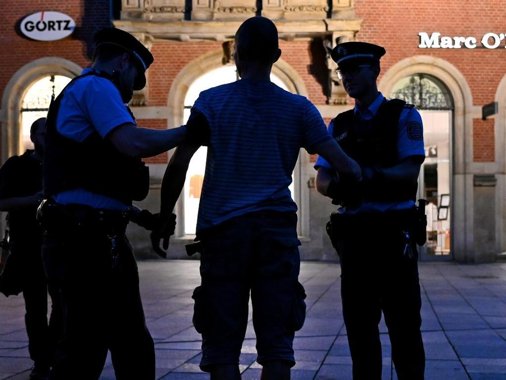 Liebelei mit der Polizei - Interview - ibt-pep.de