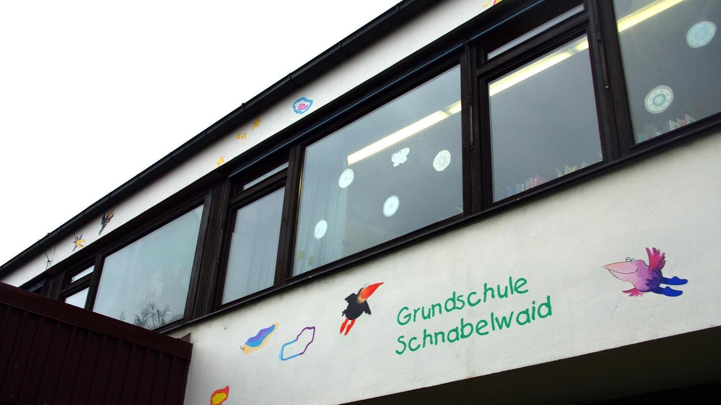 Die Pläne einer vorübergehenden Schließung der Grundschule Schnabelwaid sind vom Tisch.
