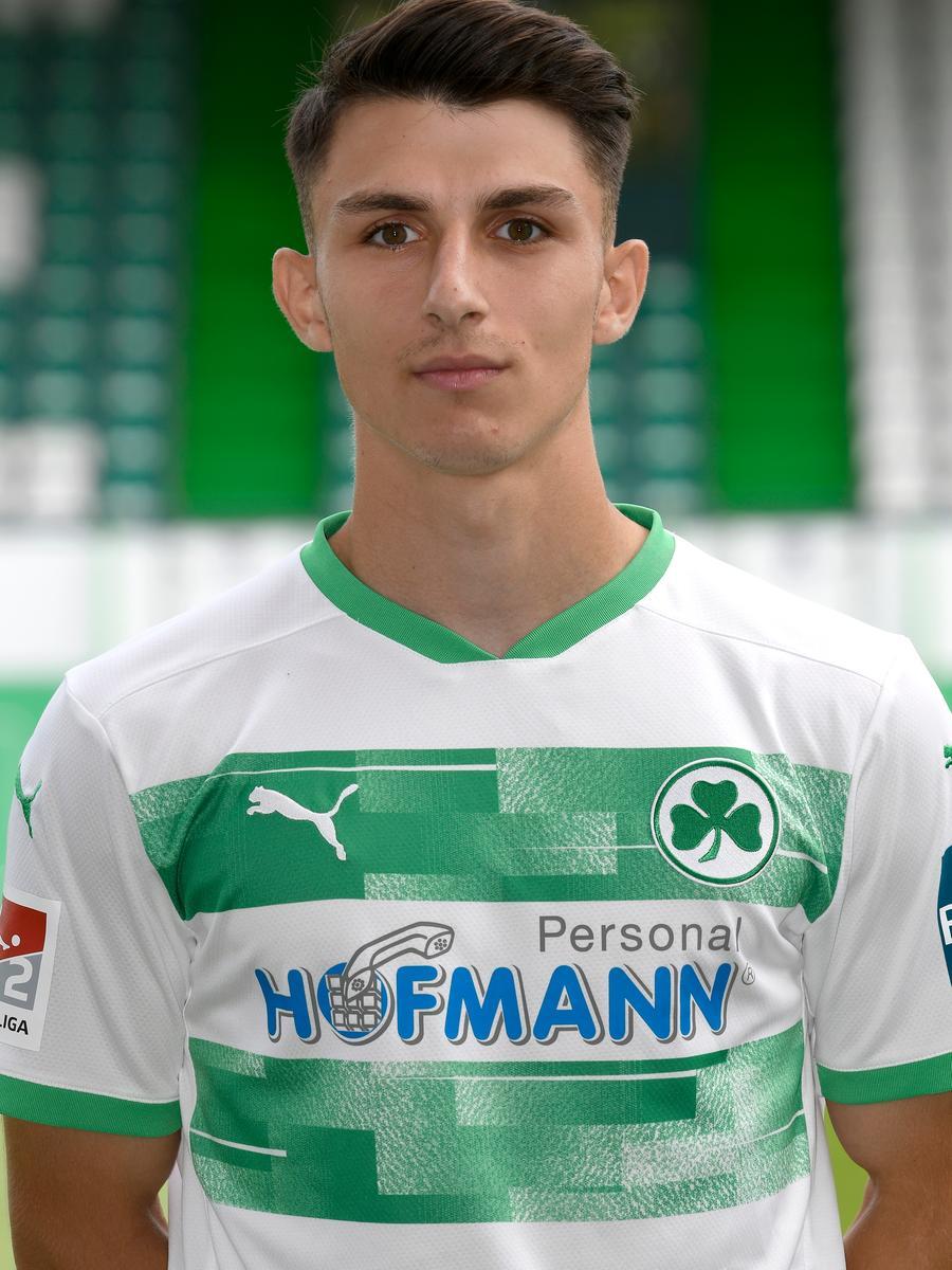 Mert Yusuf Torlak, Mittelfeld, Rückennummer: 39, Geboren: 18.07.2002, Nation: Deutschland/Türkei, im Verein seit 2010 (vorher: SG 83 Nürnberg)