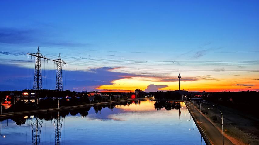 Der Main-Donau-Kanal wirkt besonders imSonnenuntergang beeindruckend.