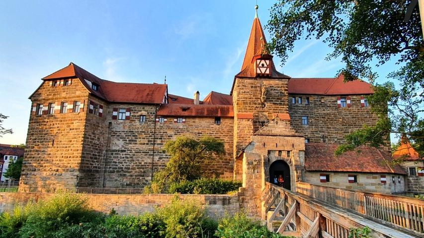 Das Nürnberger Land überzeugt auch: Das Wenzelschloss in Lauf.