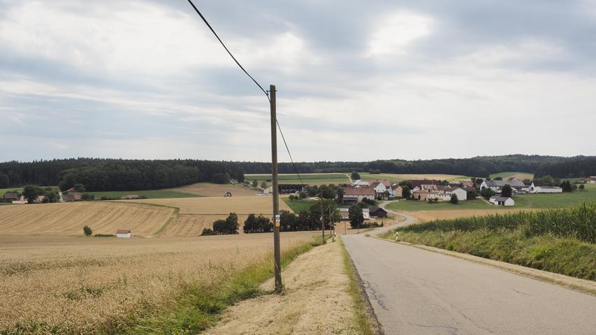 Die Straße nach Oberheumödern.