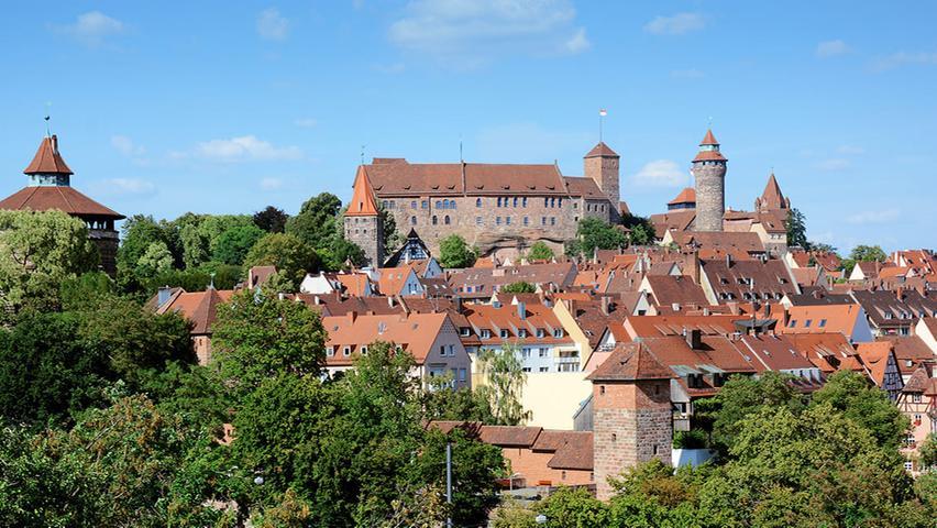 Die Kaiserburg prägt das Stadtbild Nürnbergs ganz besonders. Sie thront über allen Gebäuden.