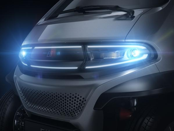 Kommunikativ: LED-Scheinwerfer und Lichtleiste.