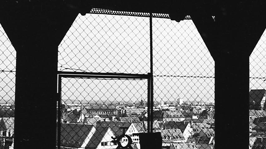 """""""Dort droben wäre der richtige Platz, um bei einer Halben Bier und einem Dutzend Rostbratwürste die Aussicht zu genießen!"""" Hier geht es zum Kalenderblatt vom 29. August 1970:"""