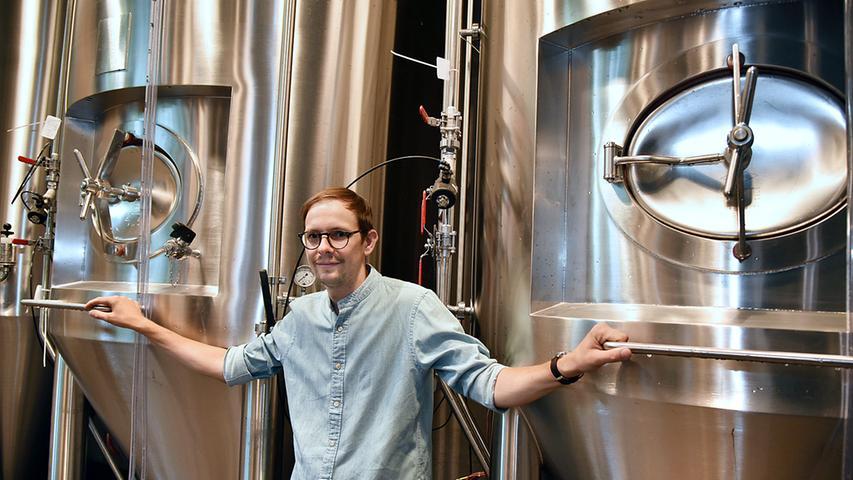 Denn Vincenz Schiller ist seit einigen Jahren Braumeister und hat in zahlreichen Versuchs-Suden in heimischen Gefilden unterschiedlichste Biersorten hergestellt – kleine Margen im Stile eines Hobby-Brauers, aber mit großen Absichten