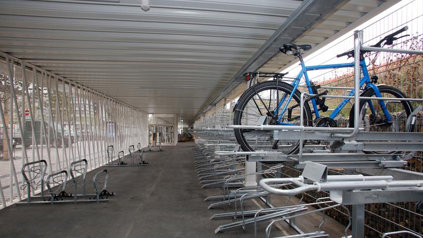 So großzügig ist das neue Fahrradparkhaus in Nürnberg