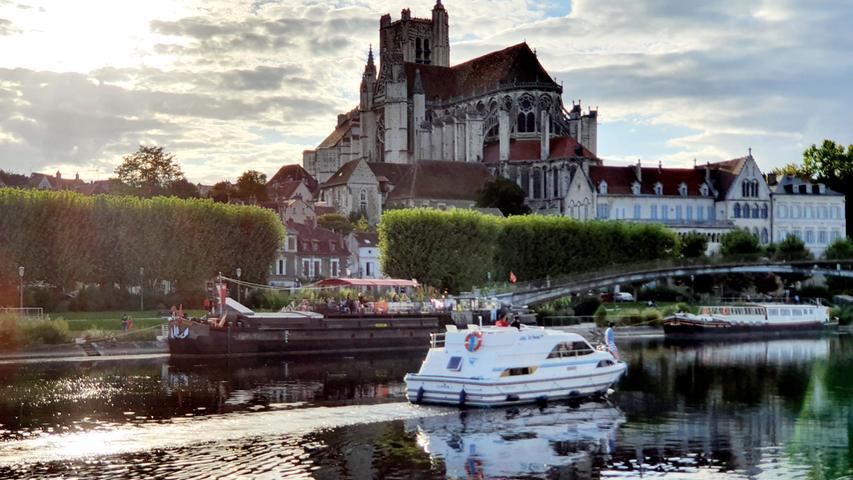 Mit Camper und Hausboot durch Burgund-Franche-Comté