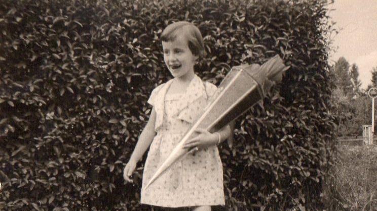 Breites Grinsen und riesige Schultüten: Unsere User haben uns auf Facebook Bilder von ihrem ersten Schultag geschickt.