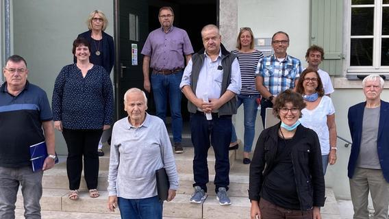 Die Mitglieder des neuen Treuchtlinger Behindertenbeirats mit dem Vorsitzenden Gerhard Schimm, seinem Stellvertreter Rudolf Hermann und Schriftführerin Anna Mirwald (vordere Reihe, von links).