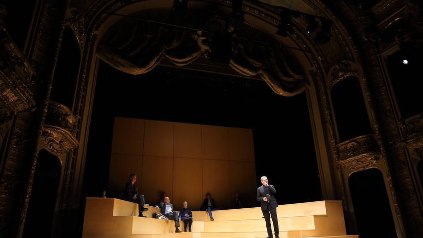 Brisantes Thema Sterbehilfe: Ferdinand von Schirachs Bühnenstück
