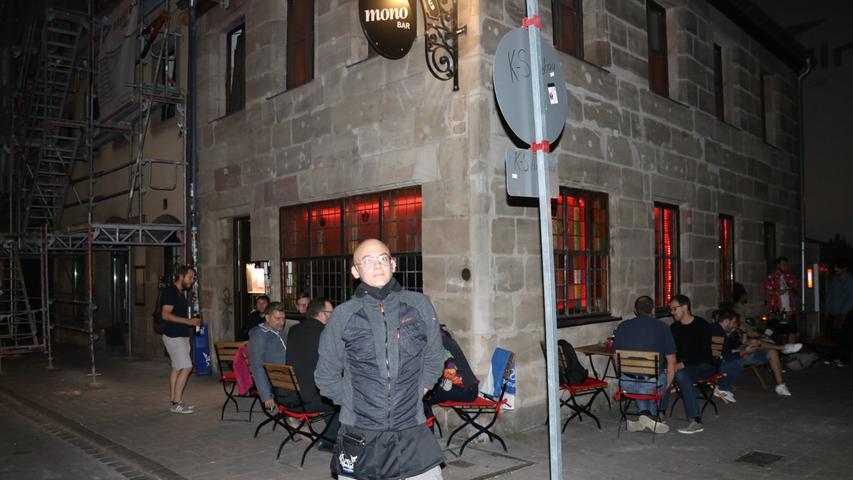 Mono Bar-Chef Dominik hat sich dazu entschlossen, den Innenraum vorerst noch nicht zu öffnen.