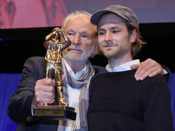 Vater und Sohn: Michael und Robert Gwisdek bei der Verleihung des Hessischen Film- und Kinopreises 2015.