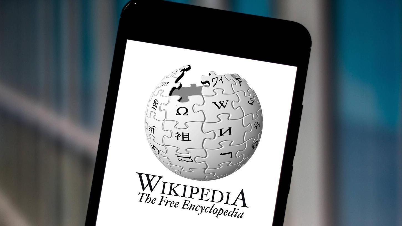 Wer ein Smartphone besitzt, trägt das ganze Wissen dieser Welt in seiner Tasche mit sich herum. Allein das deutschsprachige Wikipedia besteht aus 2,5 Millionen Artikeln.