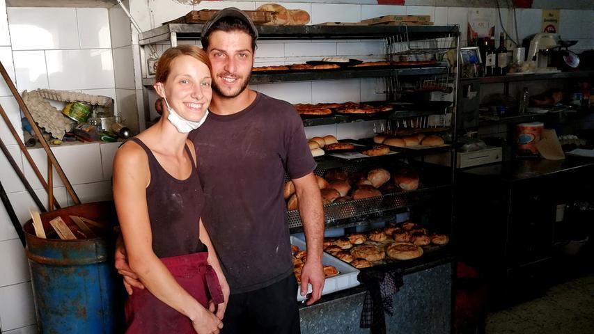Julia Hering kam vor über zehn Jahren als Backpackerin nach Malta. Und blieb. Mittlerweile ist die 31-Jährige verlobt und arbeitet nach uralter Tradition in der rund 100 Jahre alten Bäckerei ihres Freundes in Nadur auf Gozo mit.