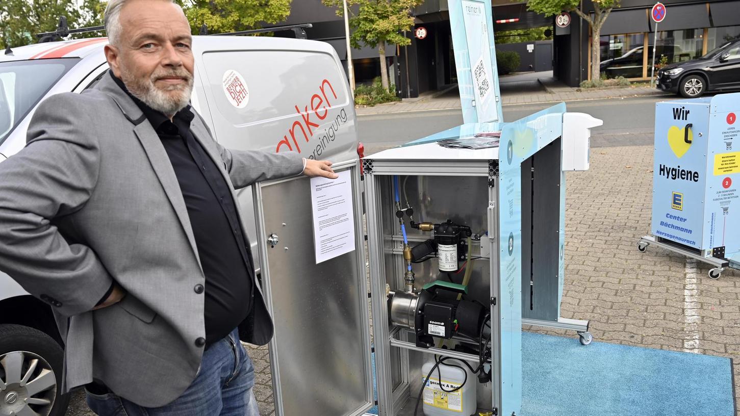 Der Inhaber der IG Franken Gebäudereinigung, Ingo Gartner, hat das Reinigungsgerät selbst entworfen — und kürzlich auch der Allgemeinheit präsentiert.