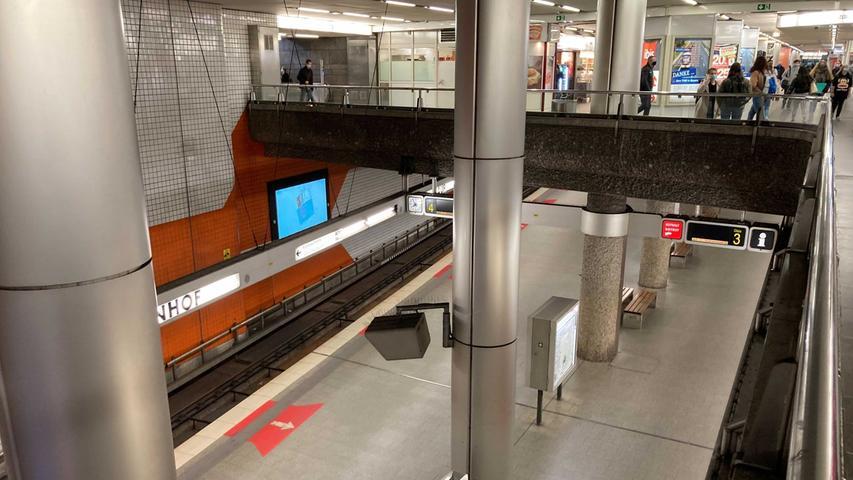In Nürnberg, Fürth und Erlangen fielen U-Bahnen, Straßenbahnen und Busse aus.