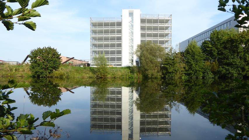 Norbert Haselbauer hat dieses beeindruckende Foto vom Siemens-Parkahsu in Forchheim gemacht: