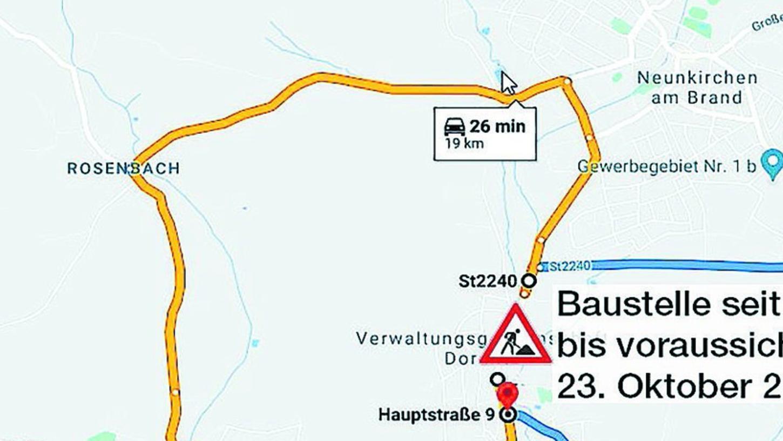 Viel Umweg für ein kleines Stück: Hellblau die offizielle Umleitung der Brückenbaustelle in Dormitz mit weiterer Baustelle bei Kleinsendelbach. Gelb die von Pendlern stattdessen genutzte Umfahrung.
