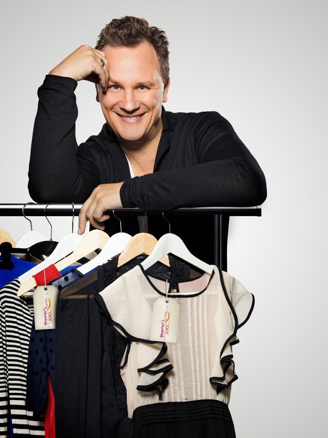 Designer Guido Maria Kretschmer moderiert die Sendung.