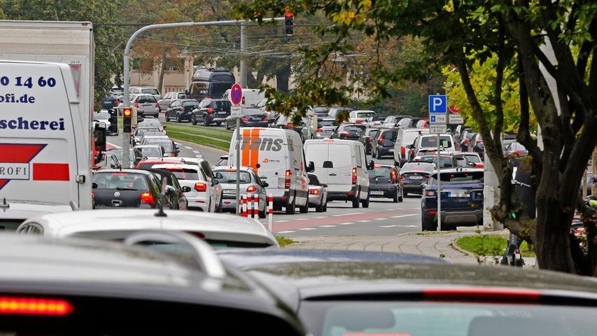 Tankstelle verschenkt Sprit: Verkehrschaos im Nürnberger Osten