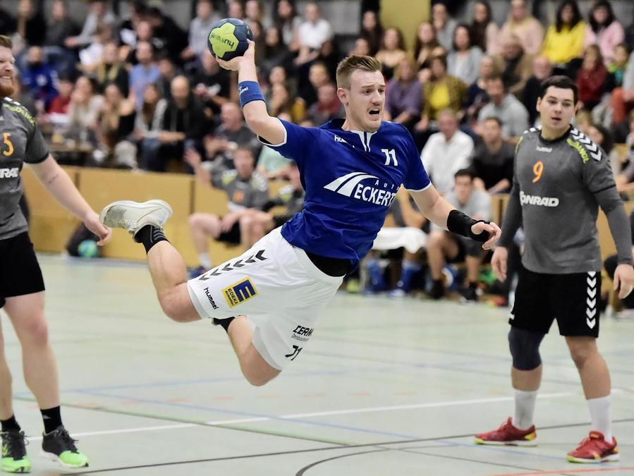 Sie wären bereit gewesen, wieder abzuheben in der Handball-Bezirksoberliga, doch die Gegner der SG Auerbach/Pegnitz (hier Stephan Bruckmayer beim Wurf) spielen (noch) nicht mit.