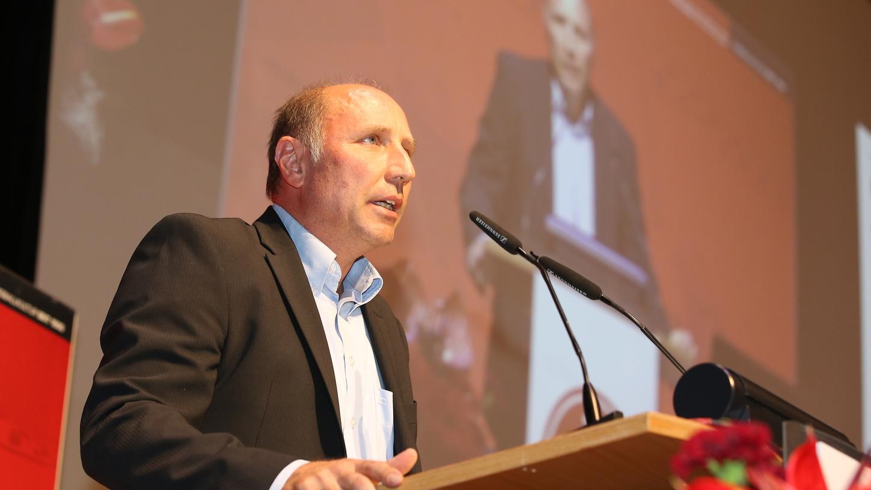 Er weiß, wie das mit den Reden auf der JHV funktioniert: Marc Oechler, ehemaliger und vielleicht auch zukünftiger Aufsichtsrat des FCN.
